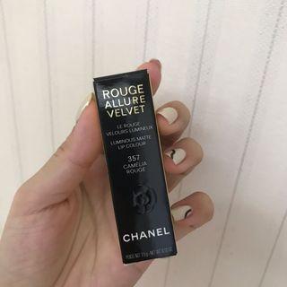 Chanel山茶花霧面唇膏357