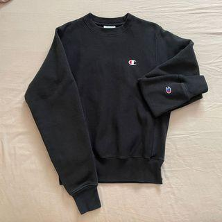 Classic champion logo black sweater