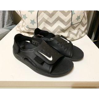 Nike防水男童涼鞋