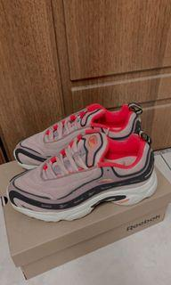 Reebok DV5818 老爹鞋 女鞋 正版
