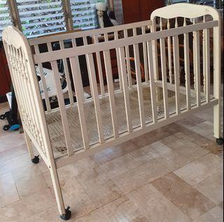 Wooden crib large
