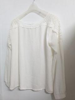白色 U領 雪紡上衣