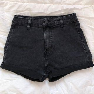 bershka black shorts, size 24/25