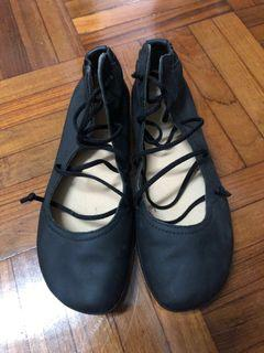 Camper Lace Soft Leather Shoes in size 37