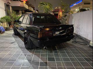 E30 318i sedan (m)