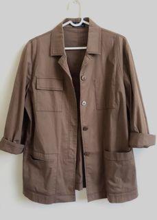義大利製.深咖襯衫西裝外套。M-L size。