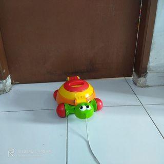 Tomy push&pull turtle