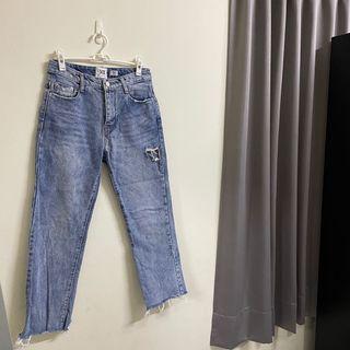 韓國X2刷破設計感牛仔褲 #loveislove