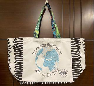 #防疫 需要多一個購物袋採買物資在家防疫嗎? 南非進口 家庭代工 地球購物袋  回收塑膠材質製成 美觀耐用 獨一無二