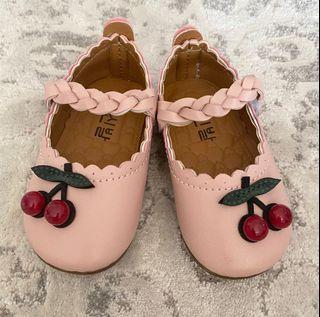 Baby Shoes for girl like New