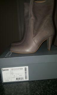 Brand new never worn gray leather boots