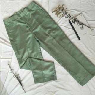 celana green mint