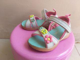 Sepatu anak charter's size 6