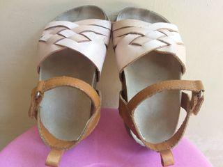 Sepatu sandal anak carter's size 7