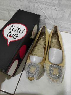 Tututoe shoes