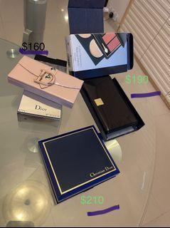 三盒名牌彩妝系列售以下標價(輕微使用過)已擺放兩年,介意勿牌!如單件買,圖片有標示單價。