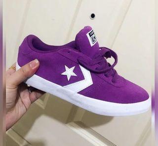 Original Converse shoes violet size 7.5