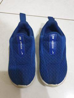 Preloved Shoes Nike Viale original