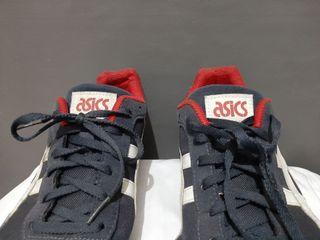 Sepatu Asics HN537