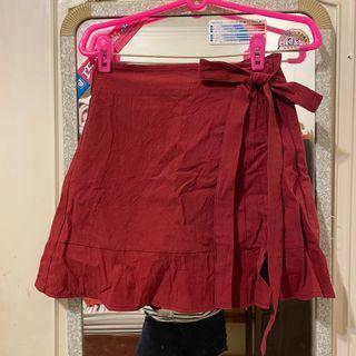 酒紅綁帶短裙