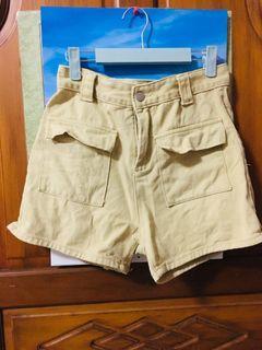 米色短褲 L #防疫