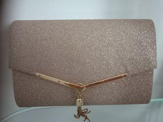 Beautiful gold shimmer clutch with shoulder chain