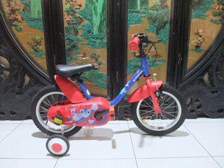 還滿新的B'TWIN 14吋500型兒童腳踏車附輔助輪前後燈適合身高100-110之間桃園自取