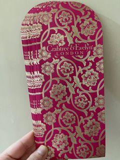 Crabtree and Evelyn red pocket 利是封
