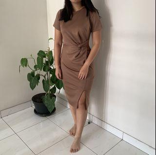 Fox Quinn - Midi dark pink Bodycon Dress