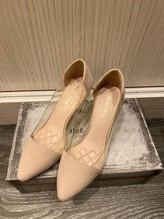 Home shop 麂皮跟鞋 杏