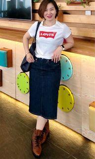 Levi's 牛仔裙27#(🈹愛!不議價!😊本人腰圍26、但臀圍就非常的,所只要你腰圍在26左右臀部在95cm以下都能輕鬆穿😁