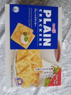 Meiji Plain Crackers 26g x 32 pkts 4 Sale.