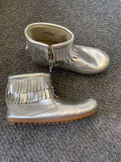 Size 12 silver leather MINNETONKA moccasin boots.