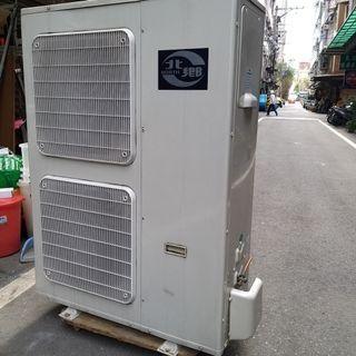 功能很正常 北鄉冷氣 遙控器也在非常冷 而且溫度很平均107年 14KW冷氣 四方吹 2017年
