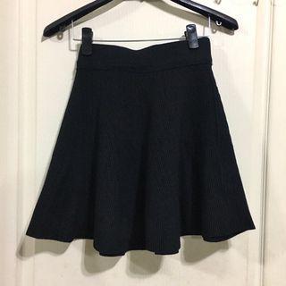 黑色針織短裙 小黑裙 黑色短裙 針織短裙 顯瘦短裙 鬆緊裙