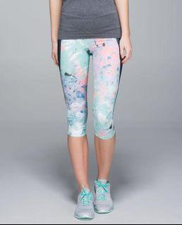 Brand new with tags rare lululemon run crops