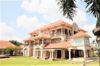 EXCLUSIVE 3 Storey Bungalow, Bangi Golf Resort, Bandar Baru Bangi