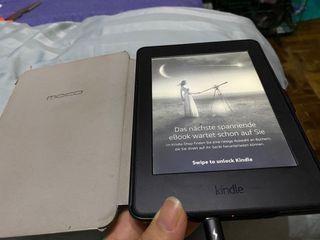 Kindle Paperwhite 3 2015 with free 100 ebooks