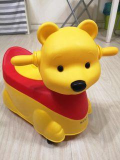 維尼便便車( 僅當玩具) 可播音樂,需自取