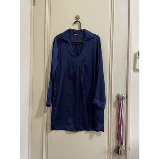 韓版 深藍色類真絲V領長版襯衫