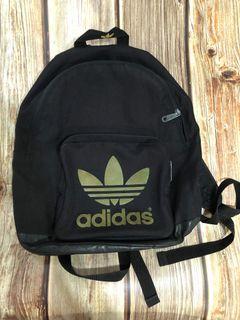 愛迪達adidas休閒運動後背包