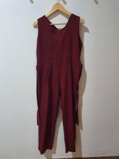 Jumpsuit Merah Maroon