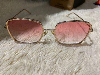 Kacamata gaya frame sunglasses gold