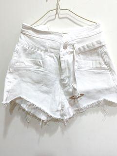 白短褲全新M號