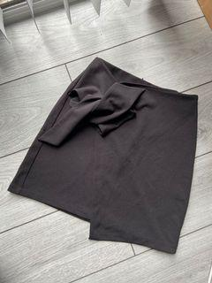 M boutique skirt with wrap detail - size X SMALL