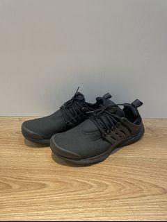 Nike🏃🏿♂️慢跑鞋