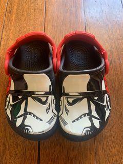 Preloved Crocs Star Wars glow in the dark toddler boy