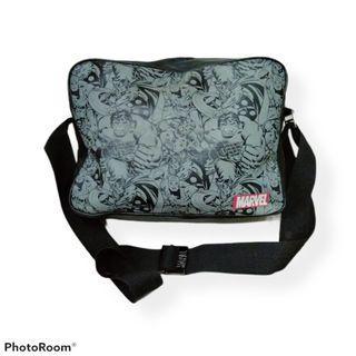sling bag MARVEL