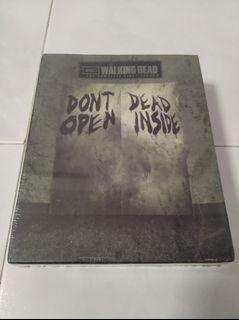 Walking Dead Season 1 With Mask Limited Edition Bluray