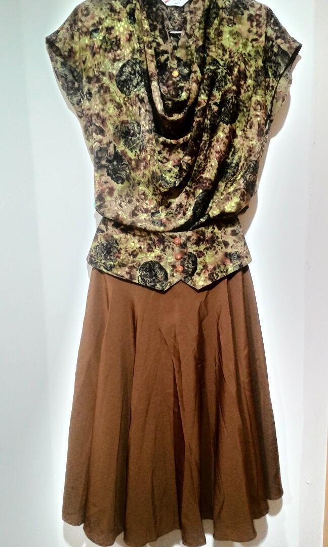 咖啡色印花套裝(九成新)